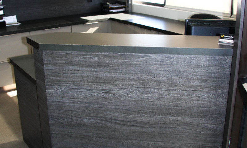 Office with High Gloss Finish