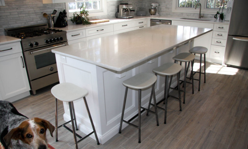 Fresh White Kitchen with Quartz Countertops