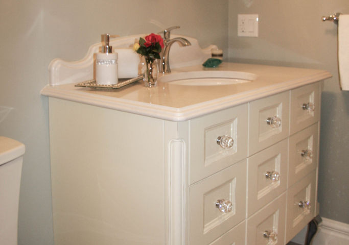 Cream Vanity with Crystal Knobs