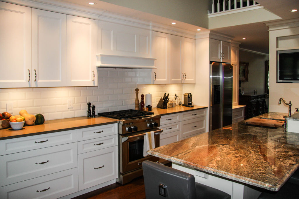 Traditional galley style kitchen woodecor quality for Traditional galley kitchen designs