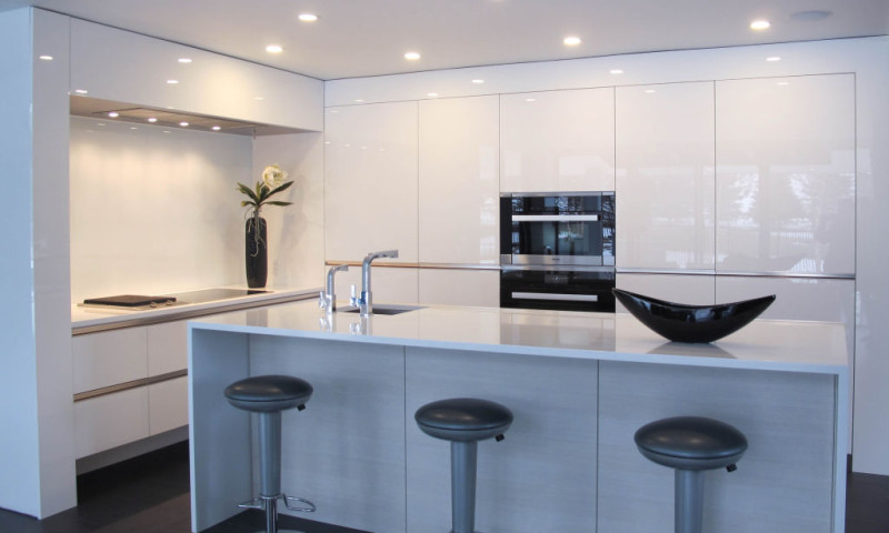 Modern High Gloss White Kitchen